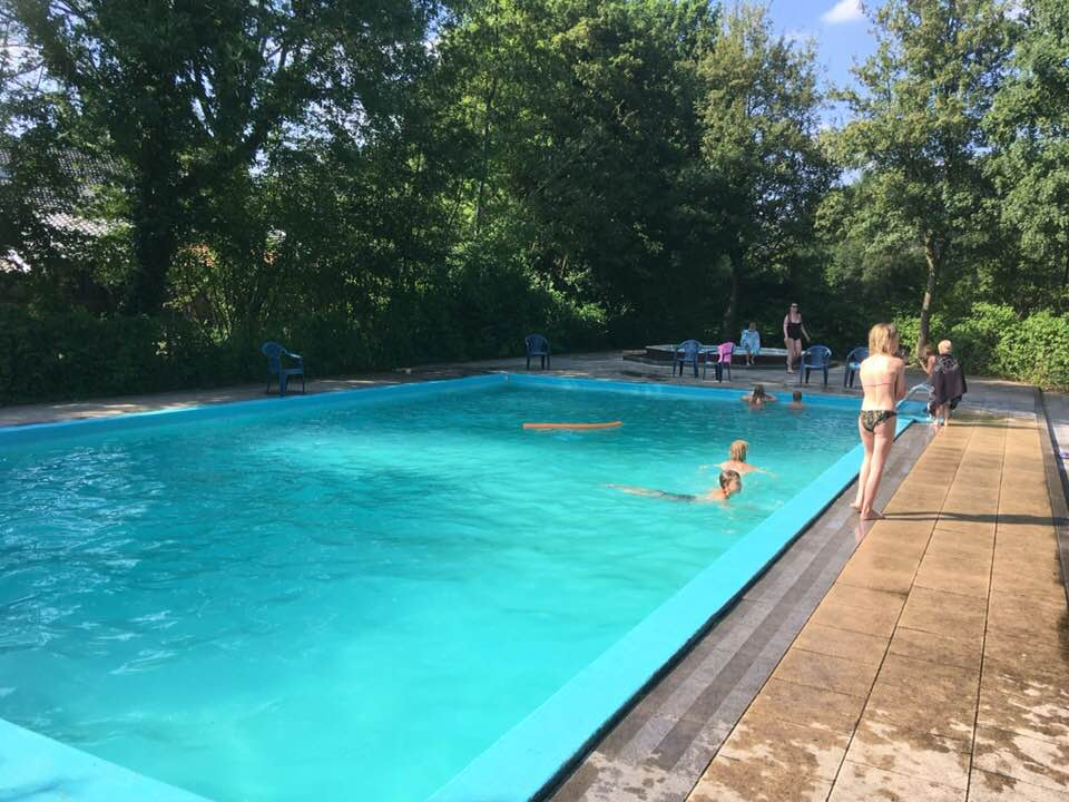 zwembad in gebruik