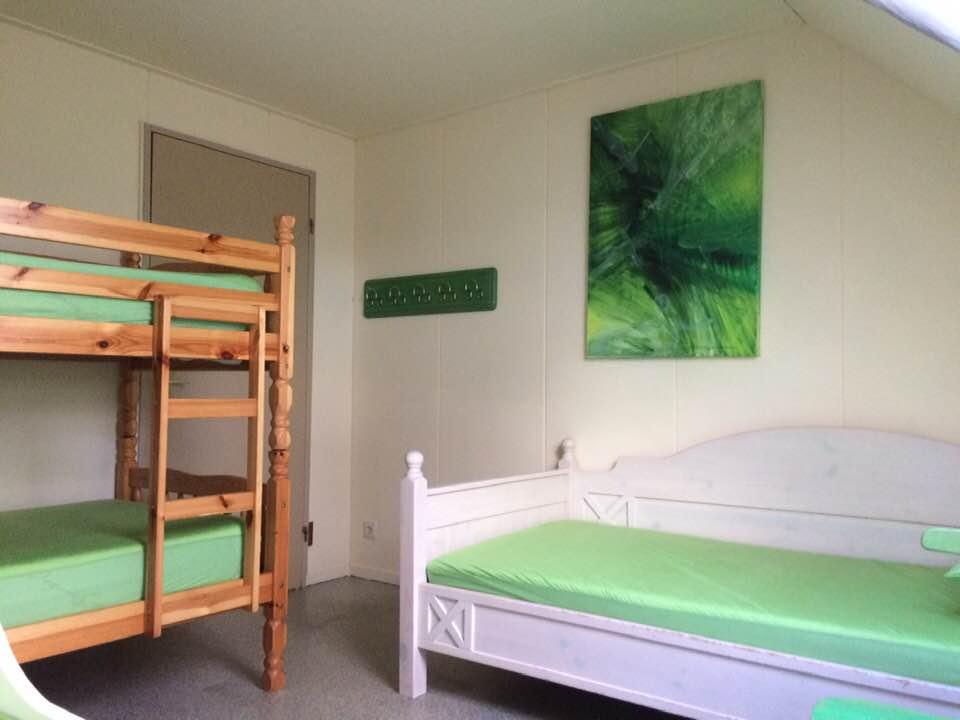 groene kamer met schilderij